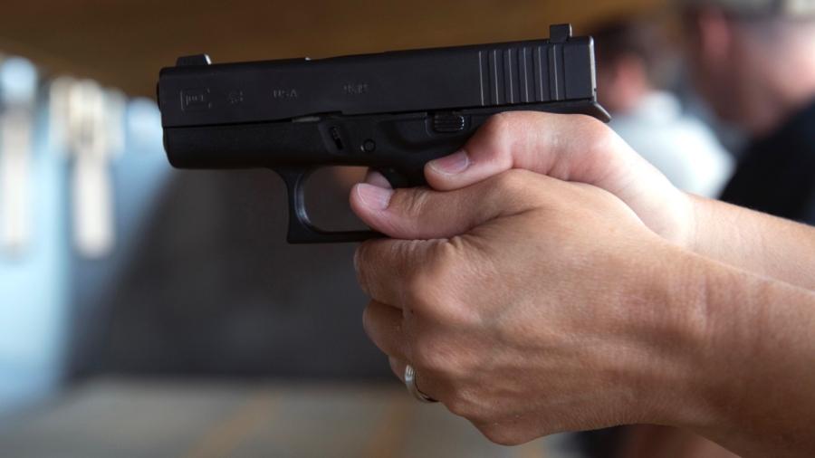 El Paso Hispanics Flock to Gun Training Classes After Walmart Mass Shooting