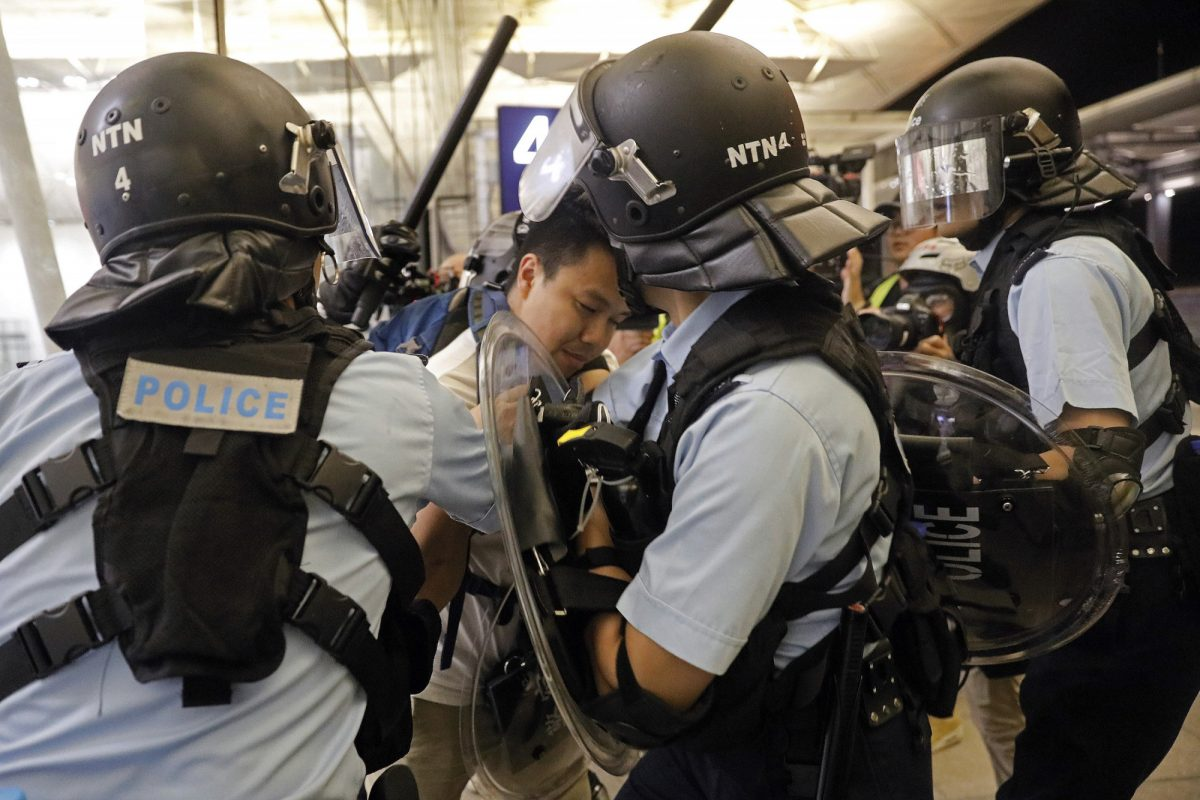 hk-protests-airport2