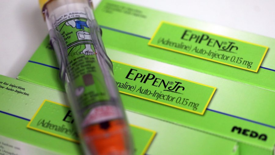 Illinois Just Became the First State to Require Insurance Companies to Cover EpiPen Injectors for Kids