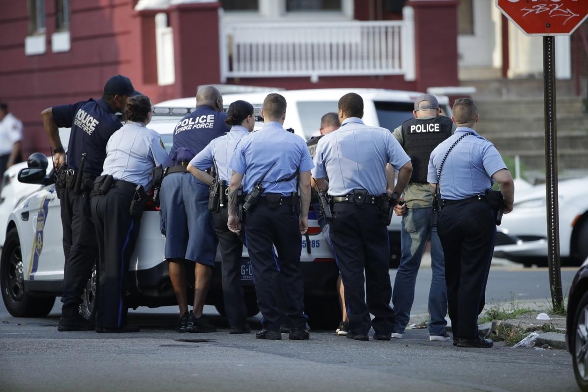 Philadelphia police respond to active shooting