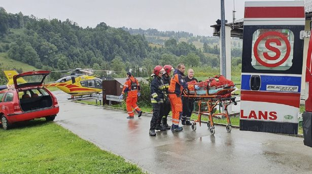Lightning Strikes Kill 5, Injure Over 100 in Poland's Tatra Mountains