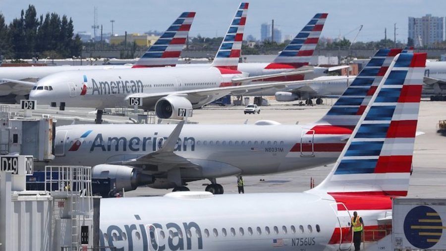 Airline Employee Obtained a Passenger's Phone Number, Then Harassed Her via Text, Lawsuit Alleges