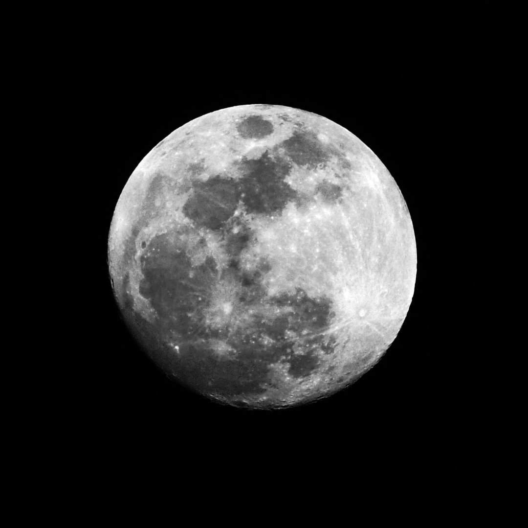 Are You Ready For The Full Moon? Here's How To Take The