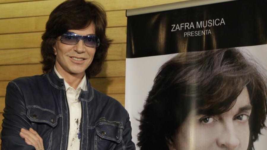 Spanish Singer-Songwriter Camilo Sesto Dies at 72