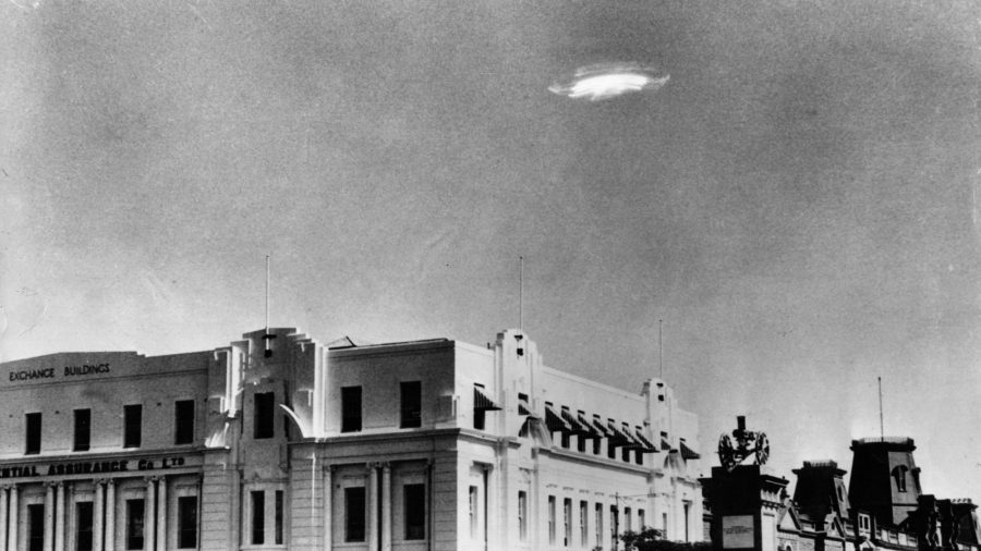 """US Navy Acknowledges UFO Videos as Real """"Unidentified"""" Objects"""