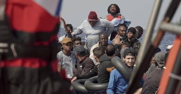 4 Dead After Tourist Boat Capsizes Off Senegal's Capital