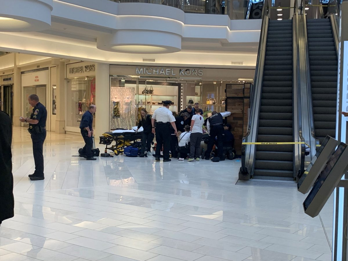 boy thrown from mall of america