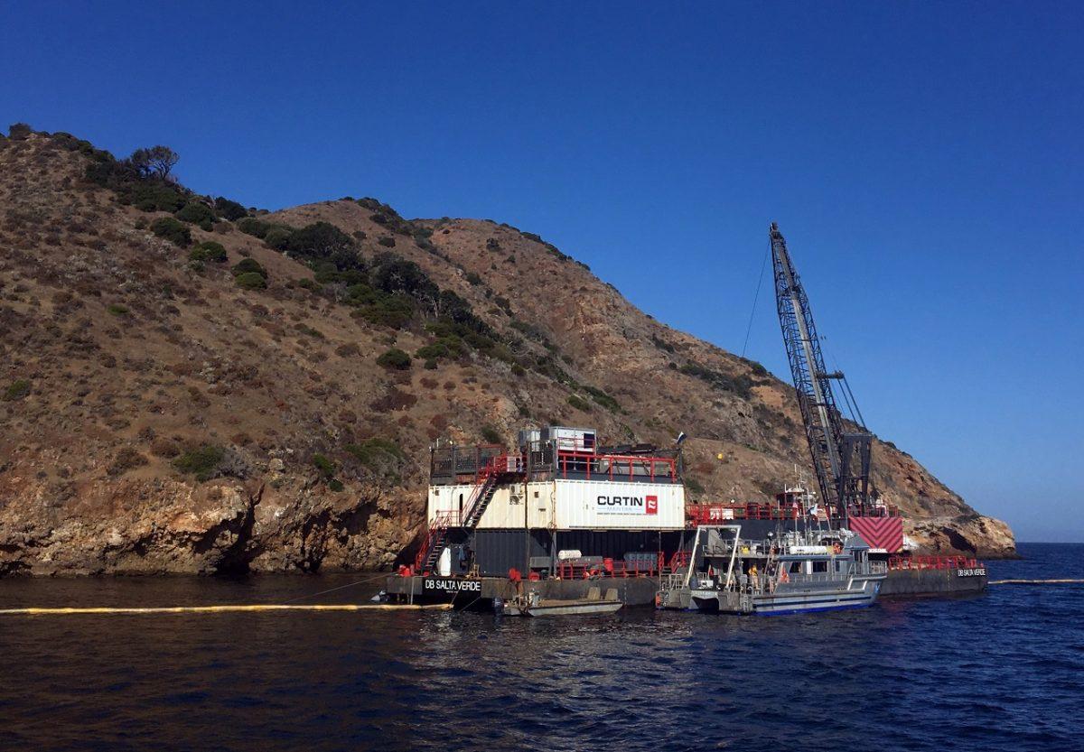The derrick barge Salta Verde