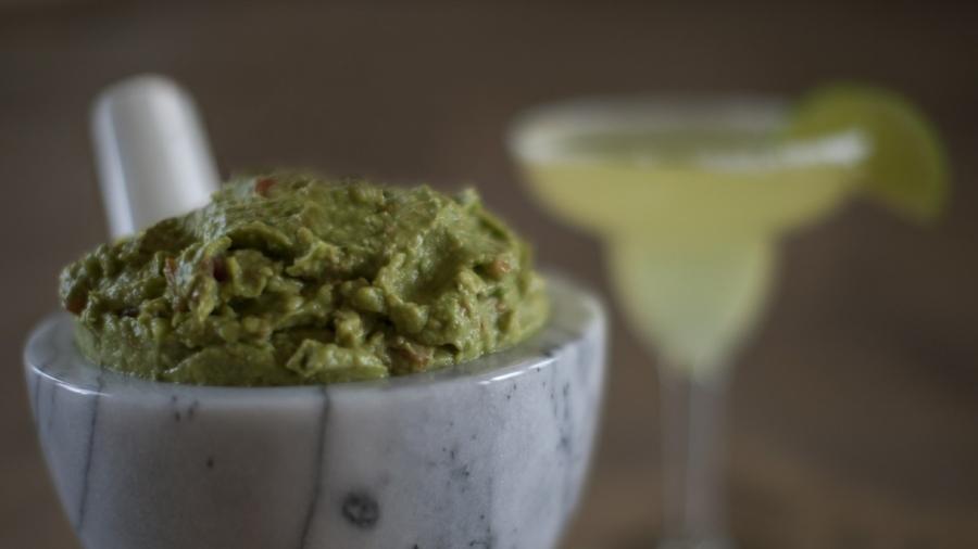 Woman Mistakes Wasabi for Avocado, Develops 'Broken Heart Syndrome'