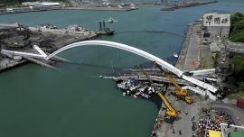 Arch Bridge Collapses in Taiwan, Crushing Fishing Boats, Divers Search for Victims
