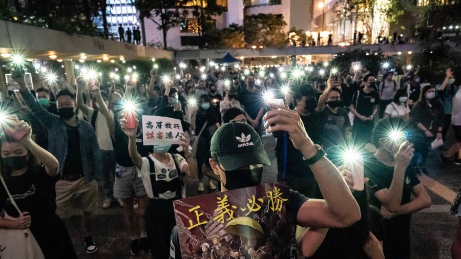 Hong Kong Medics Condemn Police Brutality in Peaceful Rally