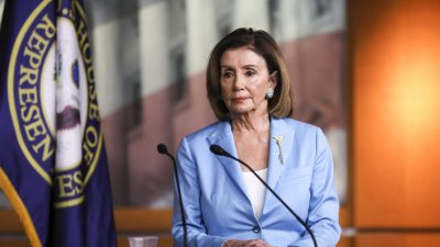 Pelosi, Other US Lawmakers in Jordan for Meetings on Syria