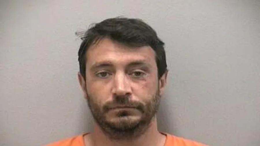 Drunk Man Assaults Walmart Cashier in Florida