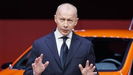 Renault Ousts CEO to 'Breathe New Life' Into Nissan Alliance