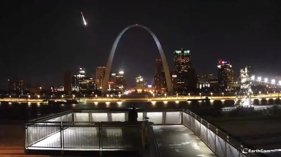 Apparent Meteor Flashes Across Night Sky in St. Louis Area