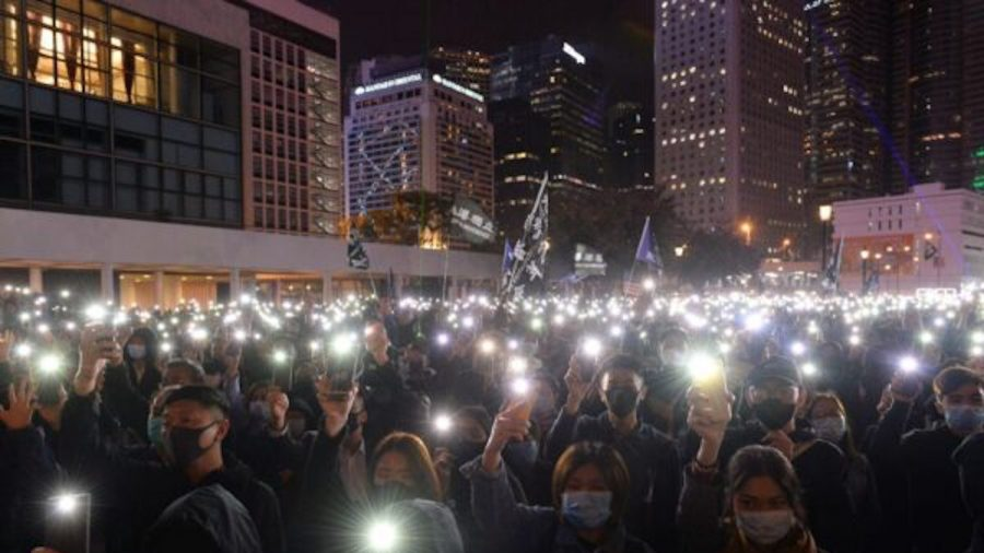 Thousands Rally in Support of Hong Kong Aid Group Targeted by Police