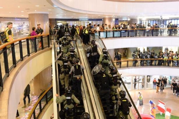 Hong Kong police in mall