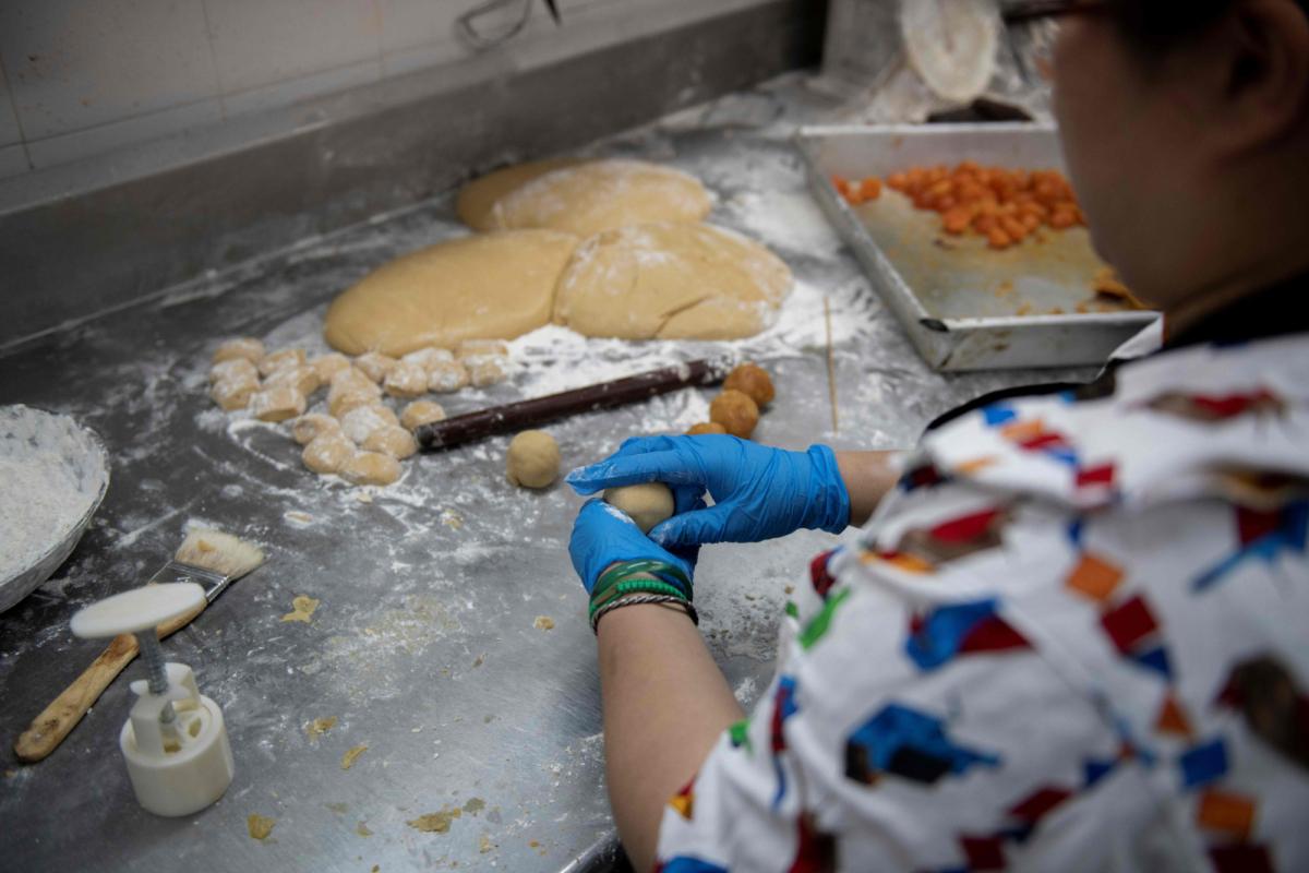 Mooncakes Hong Kong business