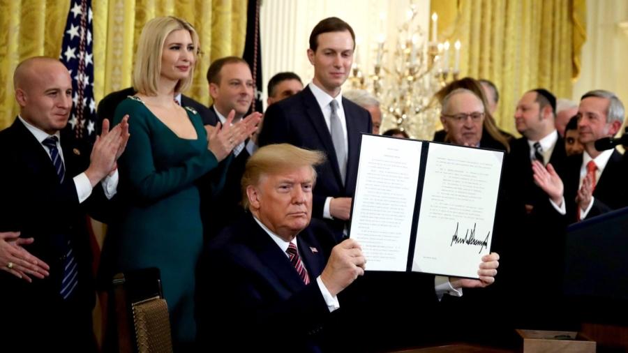 Trump Signs Order to Combat College Anti-Semitism