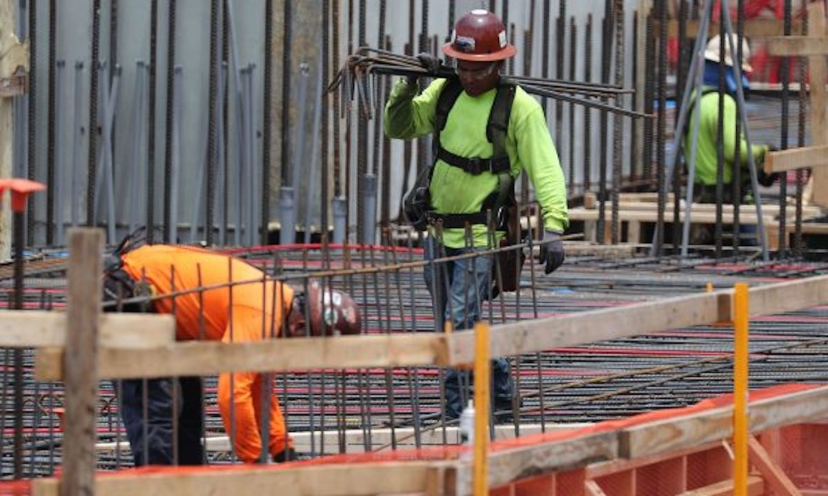 construction-workers-1146752685--600x360