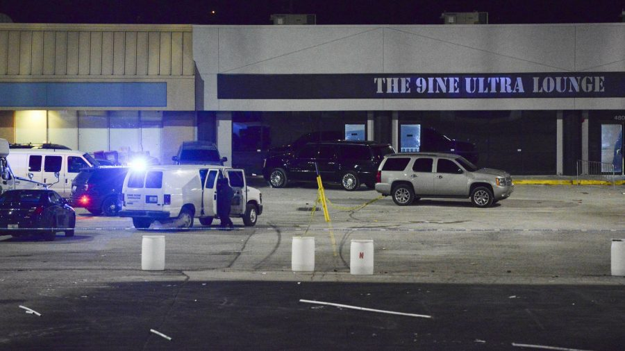 2 Dead, 15 Hurt in Shooting Outside Kansas City Bar, Police Says