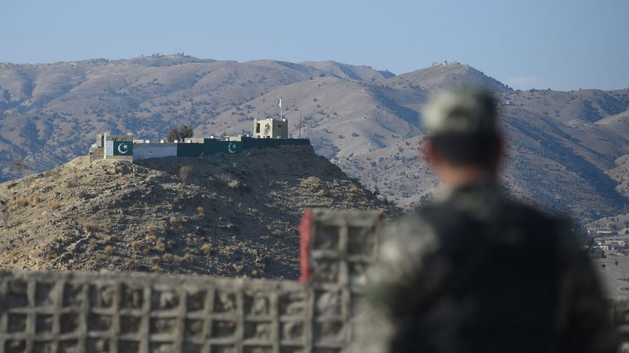 Pakistan Shuts Main Afghan Border Crossing After Mortar Fire