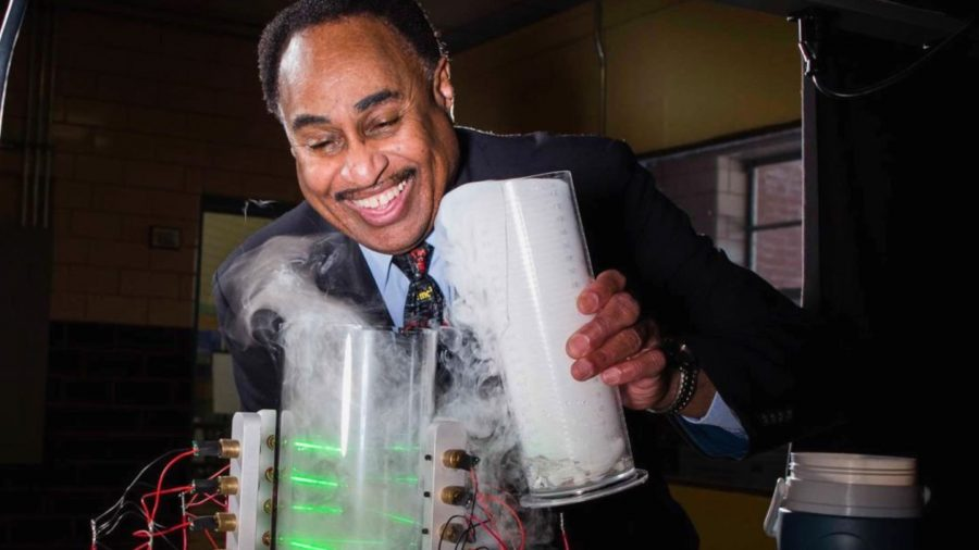 Meet the Scientist Trying to Travel Back in Time