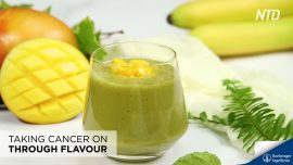 Banana-Mango Green Tea Smoothie