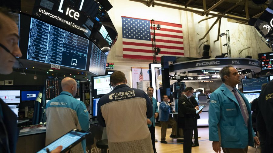 Stocks Close out Best Year Since 2013; S&P 500 Soars 28.9 Percent