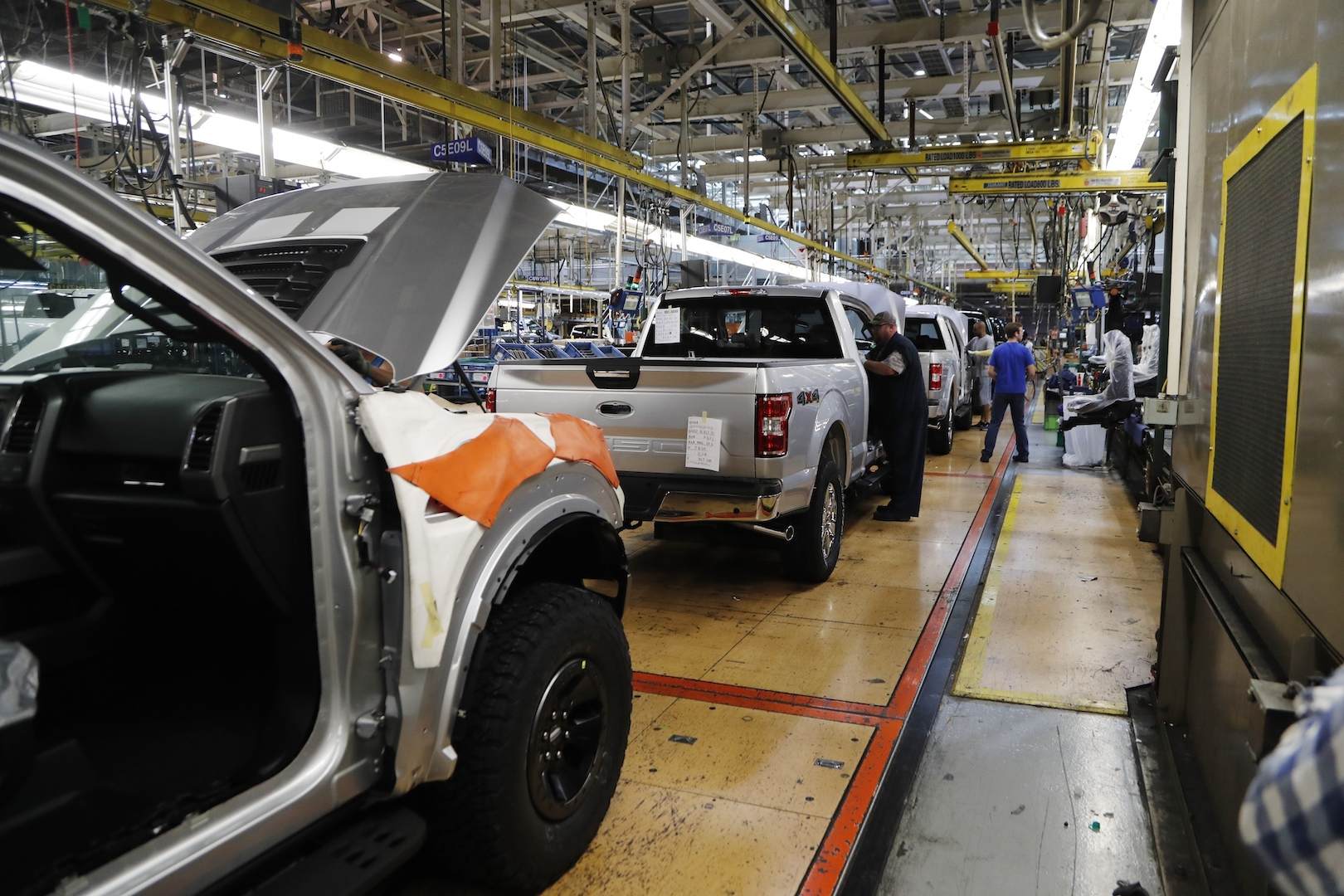 Tailgate Woes Cause Ford F-150 Recall in Canada, but Not in the US