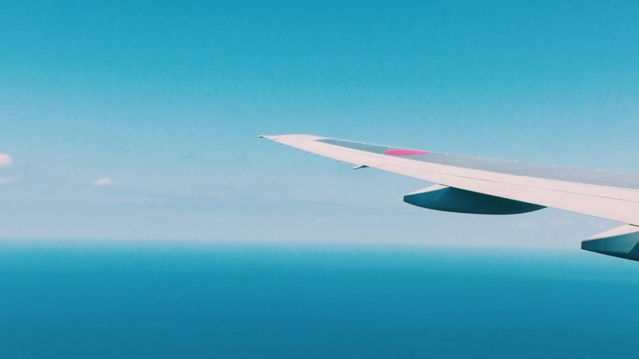 Small Plane Crashes at Hawaii Airfield, Killing 2 Men