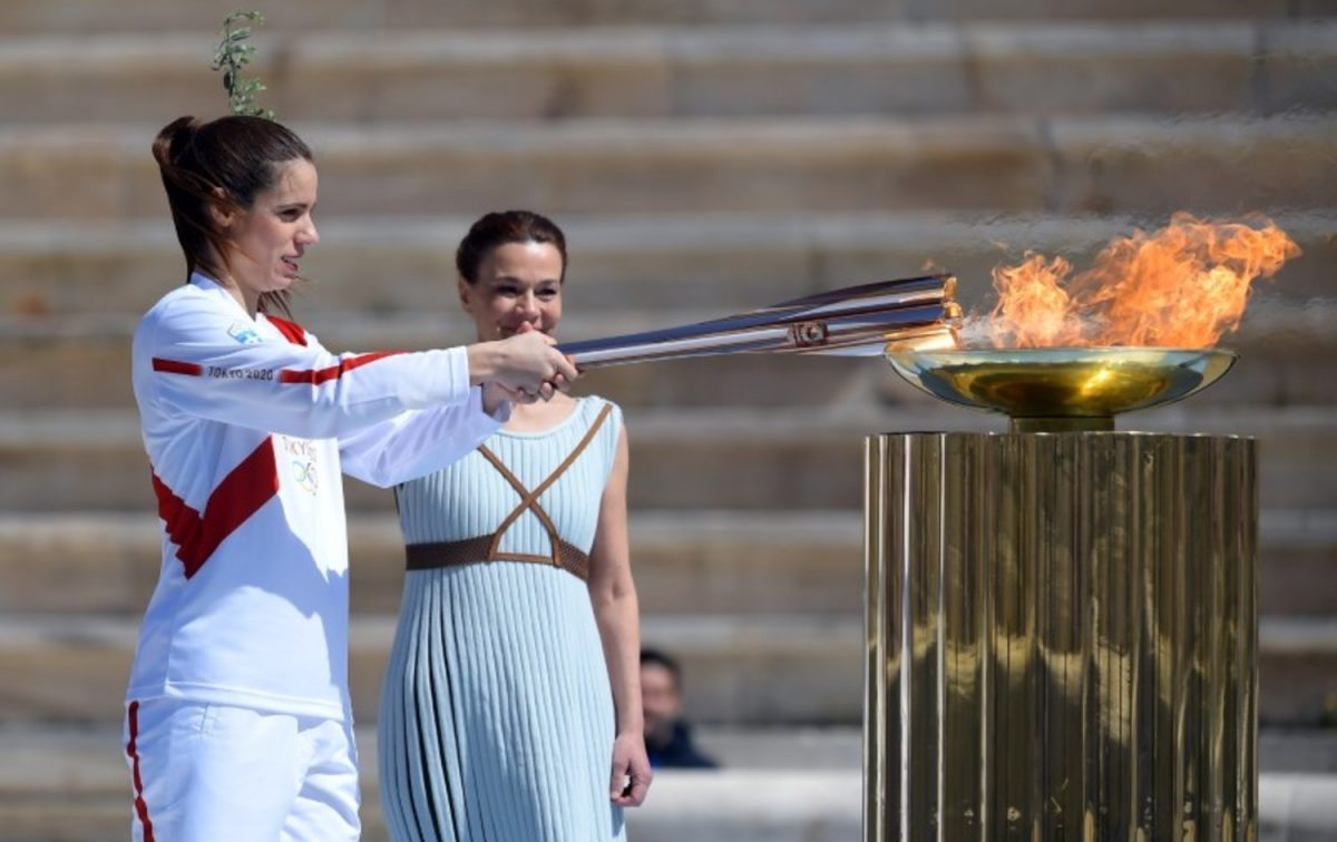 OLYMPICS-2020-FLAME-HANDOVER (1)