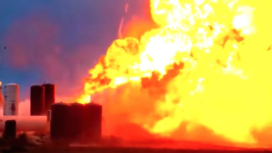 VIDEO: Prototype of New SpaceX Rocket Starship Explodes on Texas Test Pad