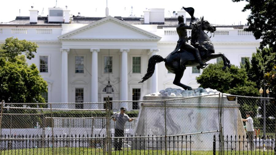 Trump Announces Executive Order to Protect Monuments, Memorials, Statues