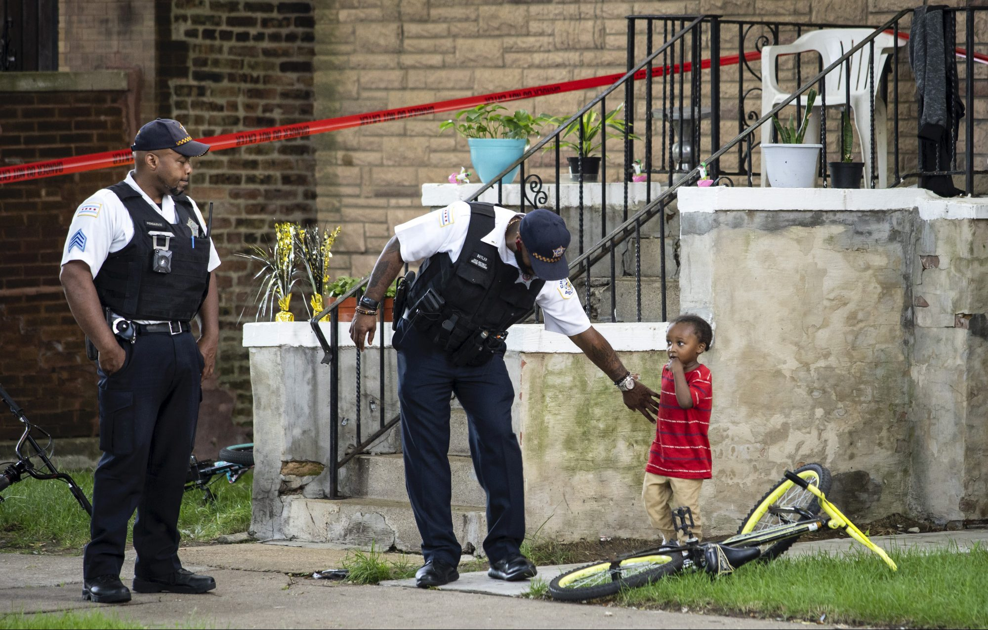 South Carolina bar shooting leaves at least 2 dead, 5