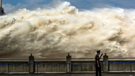 Three Gorges Dam to Face Biggest Threat