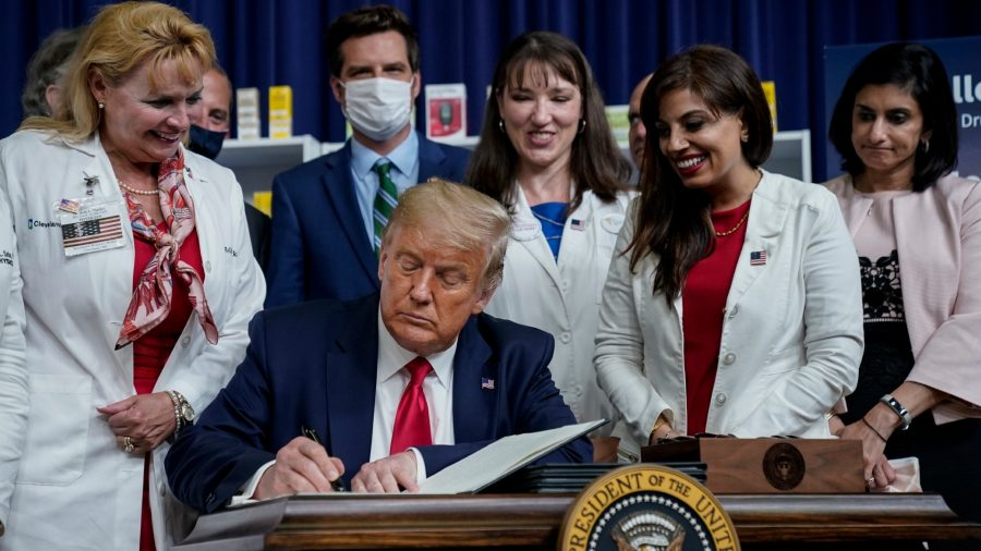 Trump Signs 4 Executive Orders to Lower Drug Costs