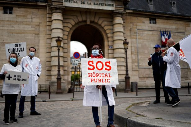 French Health Care Workers Stage Protests
