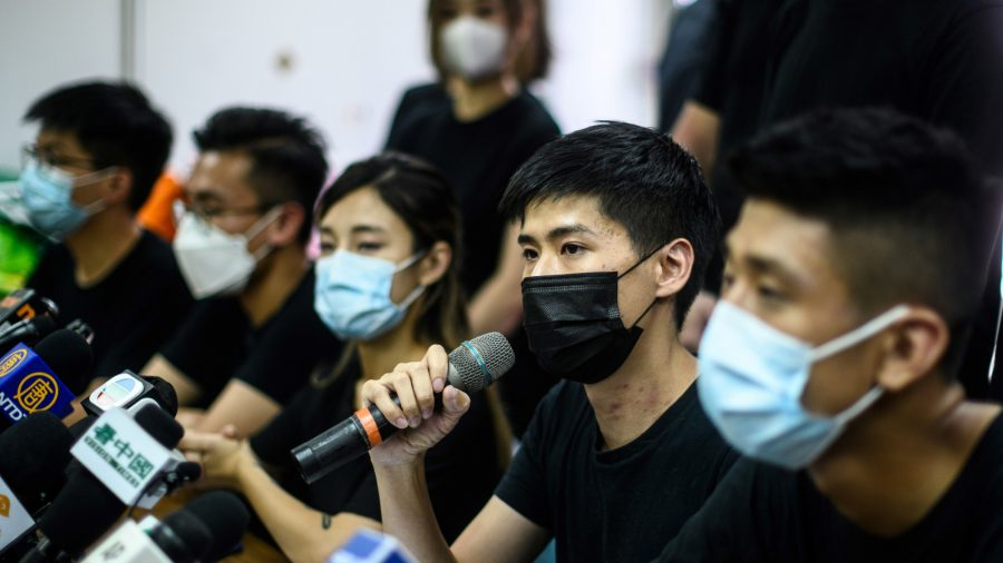 Unofficial Hong Kong Vote Sees New Generation Take Over Battle for Democracy