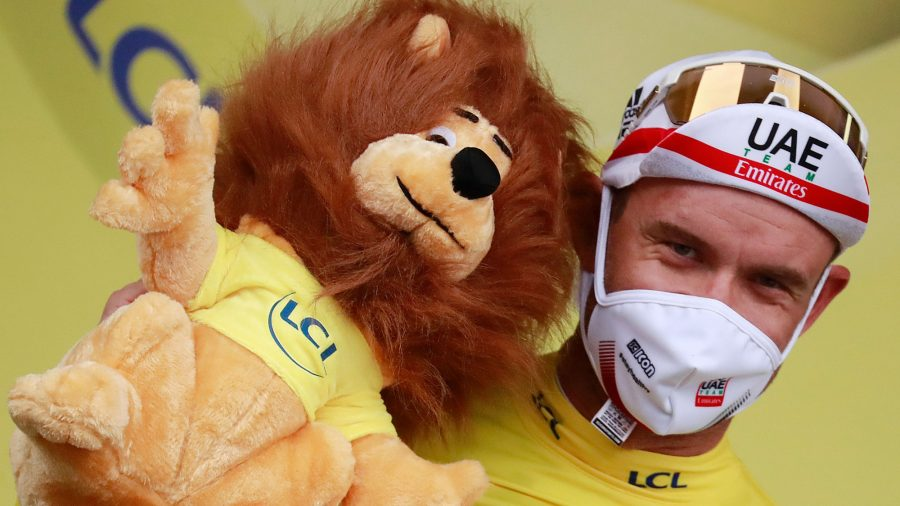 Norway's Alexander Kristoff Recovers From Crash to Win Chaotic First Stage of Tour de France