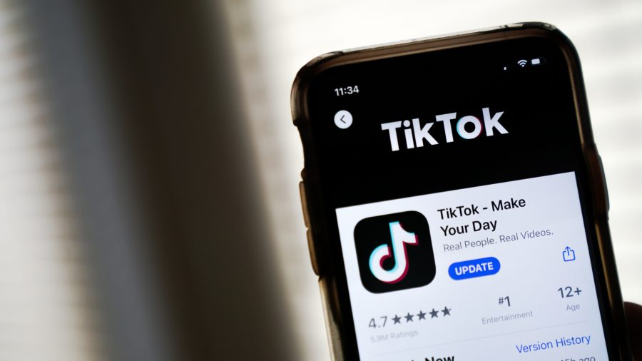Pakistan Bans Chinese App TikTok for 'Immoral and Indecent' Content