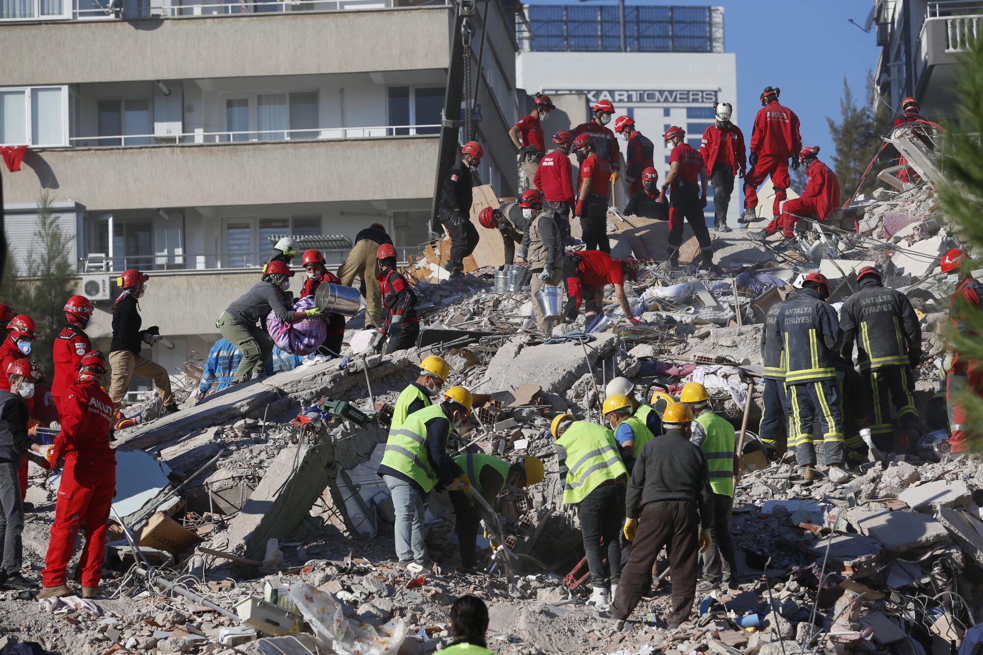 Death Toll Reaches 28 in Powerful Quake That Hit Turkey ...