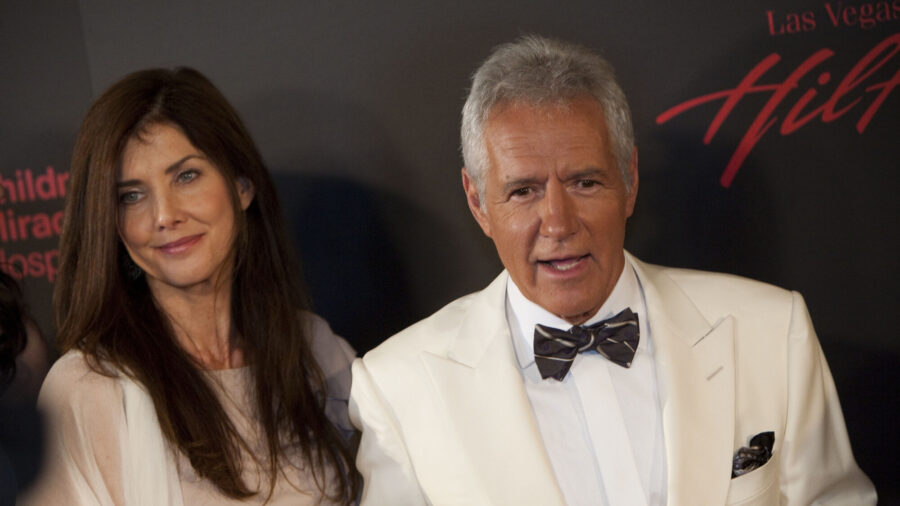 Alex Trebek's Widow Jean Offers Thanks for Support