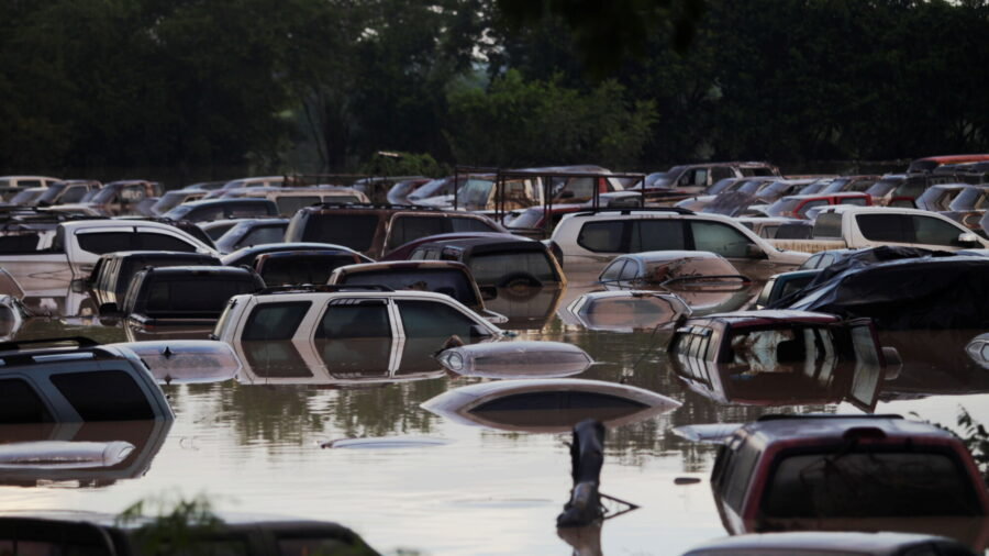 Death Toll From Iota Slowly Rises in Central America Amid Ongoing Rescue Efforts