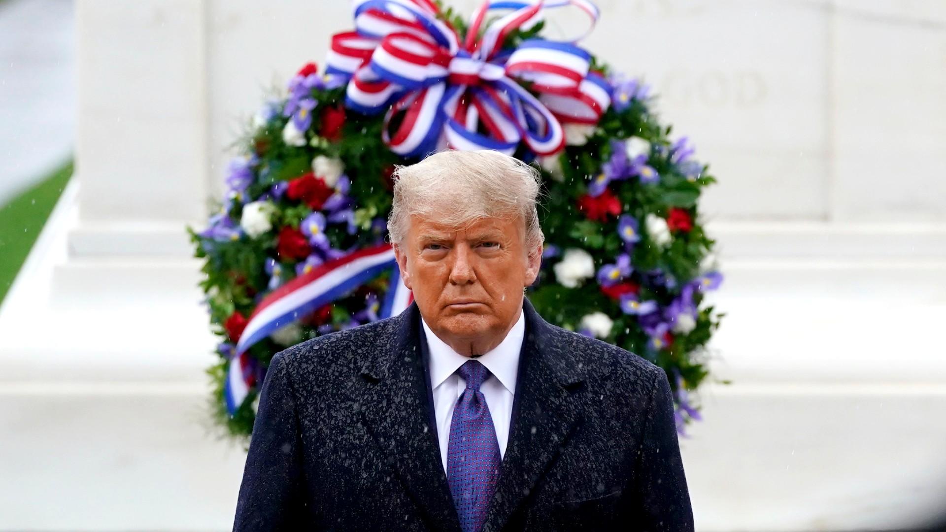 Trump Paid Tributes to Veterans in the Rain at Arlington ...
