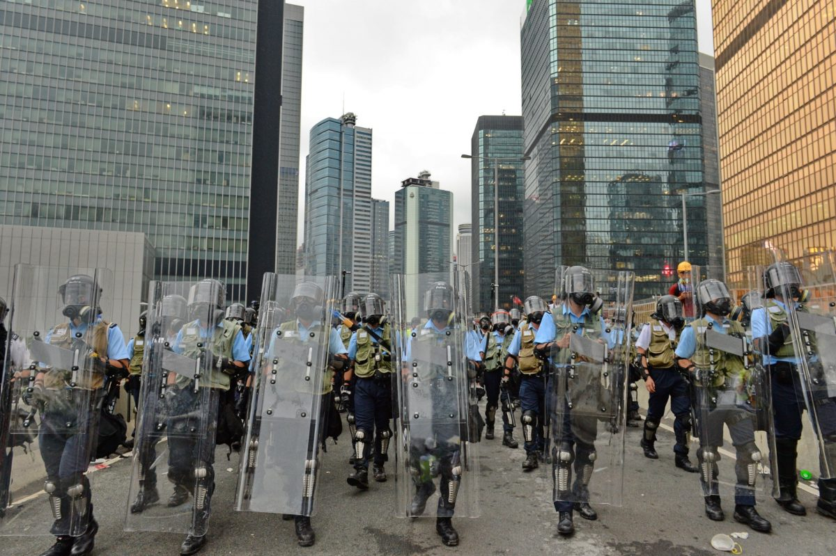 police hong kong clash with protesters extradition (1)