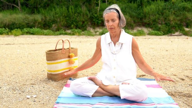 Jeanne Mitchell practicing the 5th exercise of Falun Dafa