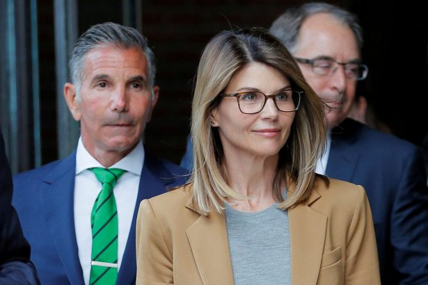 Loughlin, Giannulli Plead Guilty in College Scam but Await Fate
