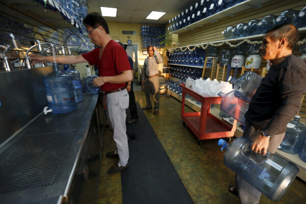 a-water-store-in-Temple-City-California.