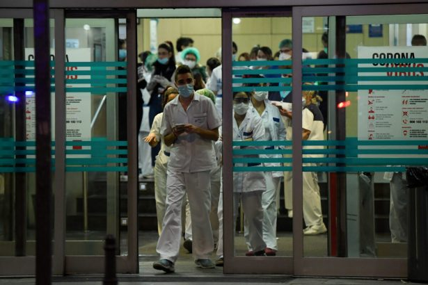 Healthcare workers dealing with the CCP virus crisis